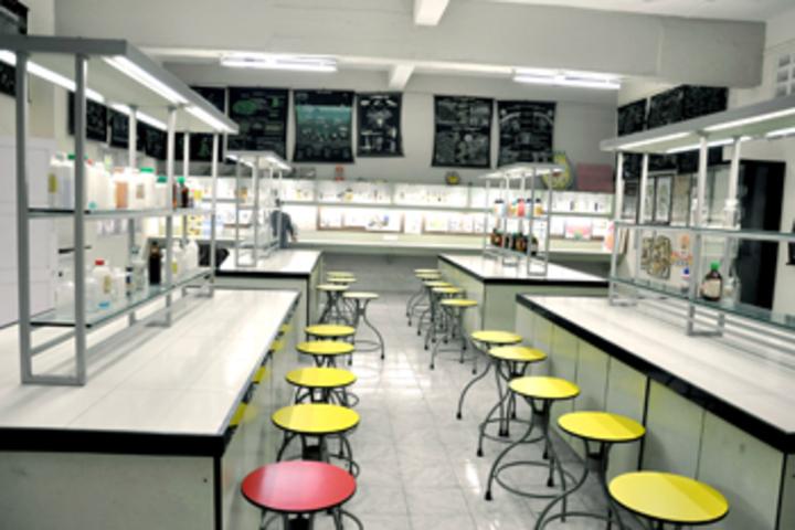 Vallabh Ashrams M G M Amin And V N Savani School-Chemistry Lab