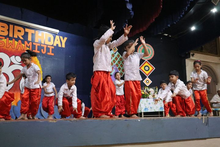Vallabh Ashrams M G M Amin And V N Savani School-Dance Compitition