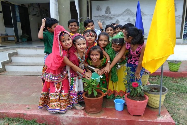 Yagyavalkya Vidya Mandir English Medium School-Tree Plantation