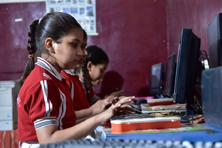 A V International Public School-Computer Lab