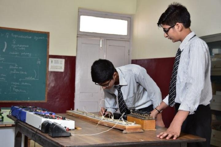 A V International Public School-Physics Lab