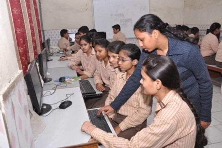 Aggarwal Public School-Computer Lab