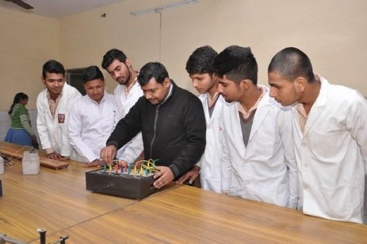 Aggarwal Public School-Physics Lab