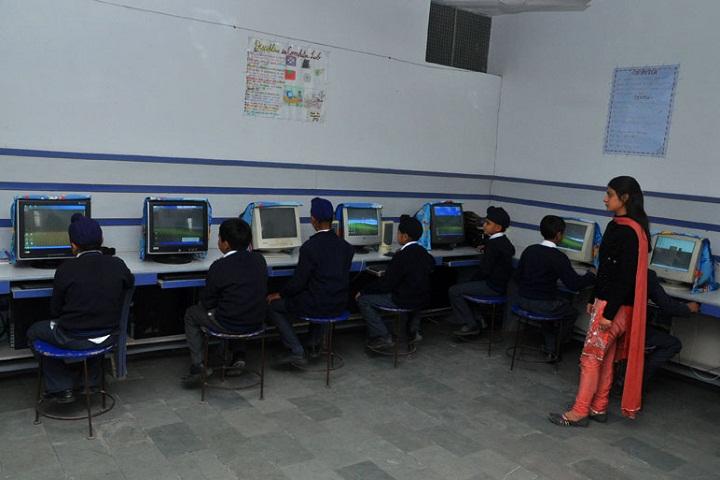 Ambala Public School-Computer lab