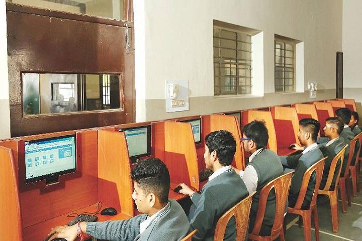 Amravati Vidyalaya-Computer Lab