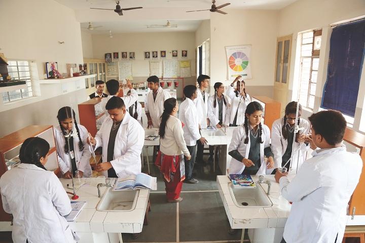 Amravati Vidyalaya-Science Lab