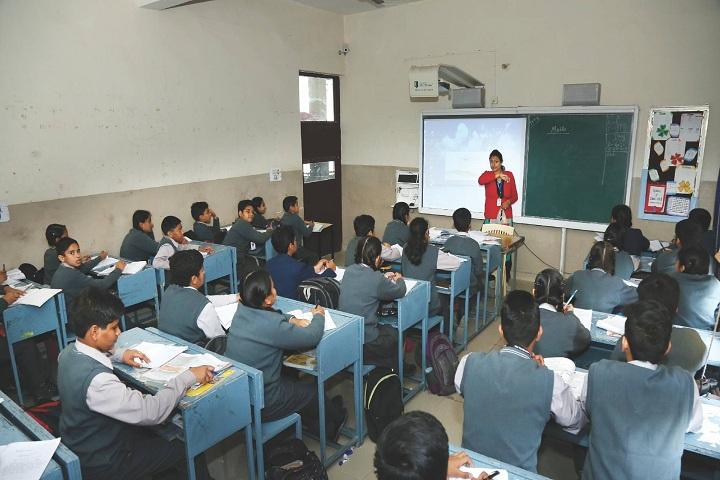 Amravati Vidyalaya-Smart Classrooms