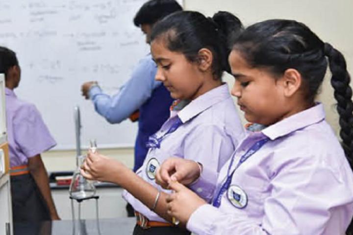 Apollo International School-Physics Laboratory