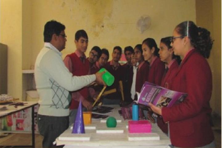 Aravali Public School-Maths Lab