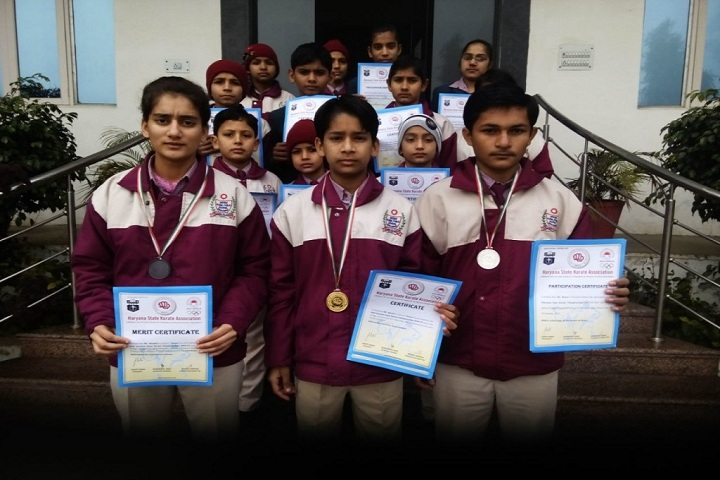 Aryan Global Public School-Awards