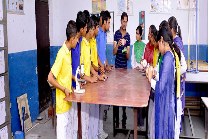 Bhartiya Vidya Niketan Senior Secondary School-Biology Laboratory