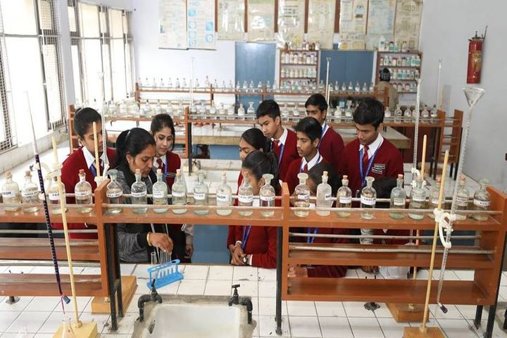 Campus School-Chemistry Lab