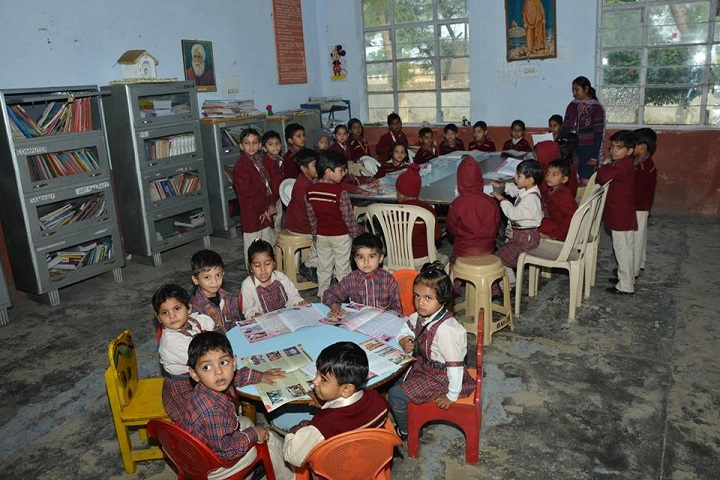 DAV Centenary Public School-Library