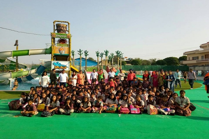 DAV Centenary Public School-Picnic