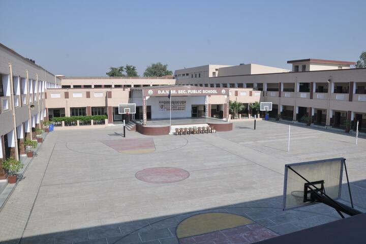 DAV Senior Secondary Public School-School Building
