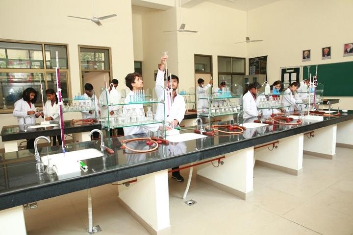 DAV Public School-Chemistry Lab
