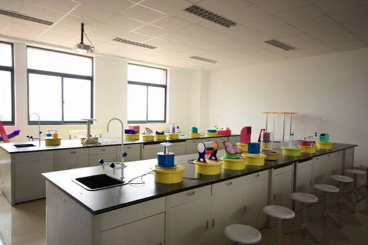 Dalamwala Public School-Lab