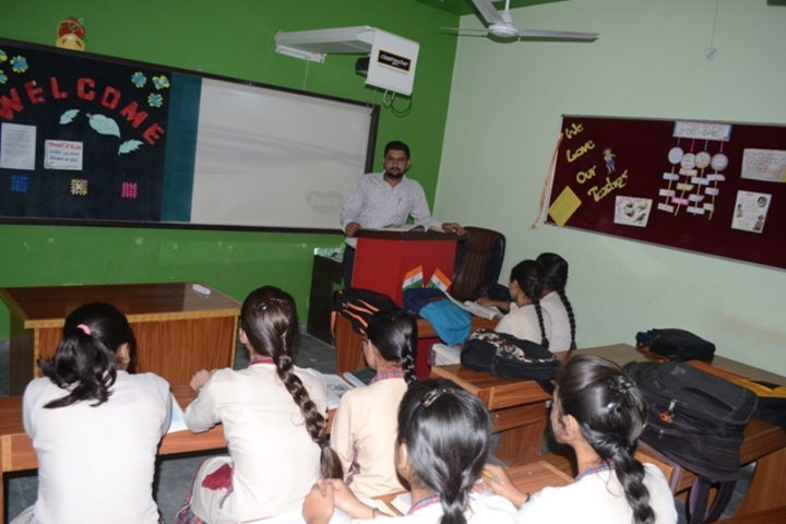 Dav Centenary Public School-Smart Classroom