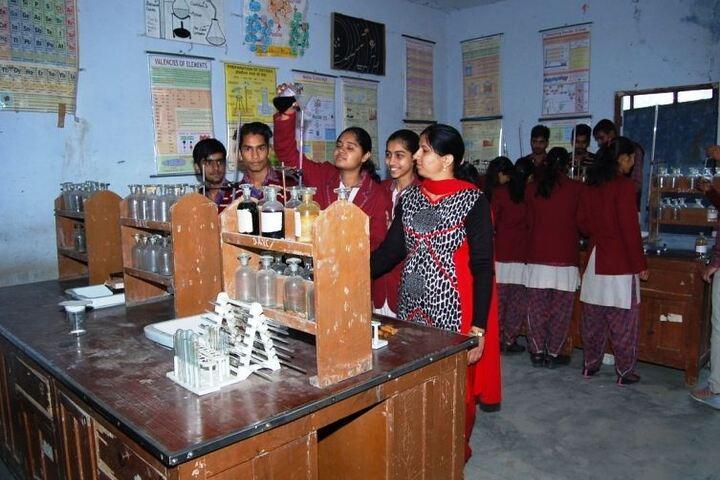 DAV Centenary Public School-Chemistry Lab