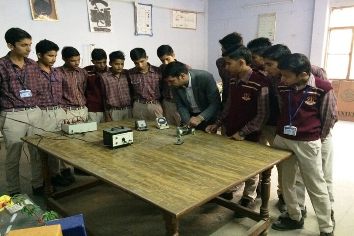 DAV Centenary Public School-Lab