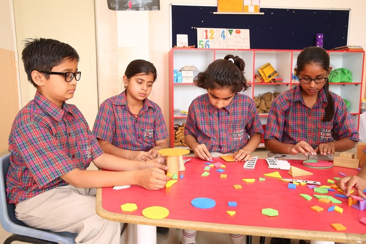 Dav Police Public School-Maths Lab