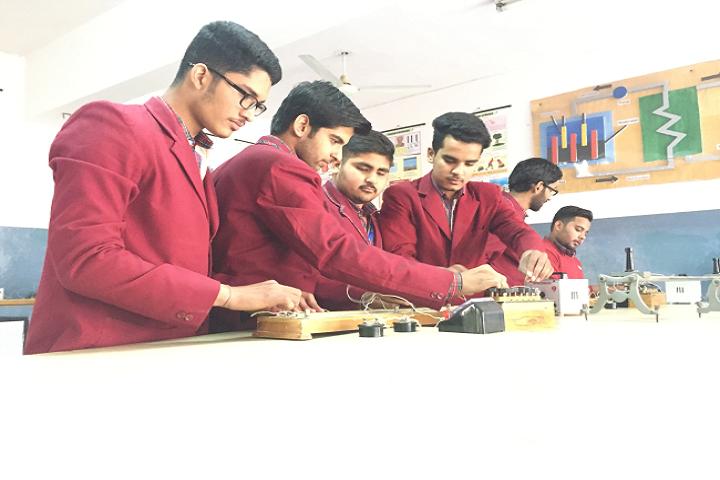 Dav Police Public School-Lab