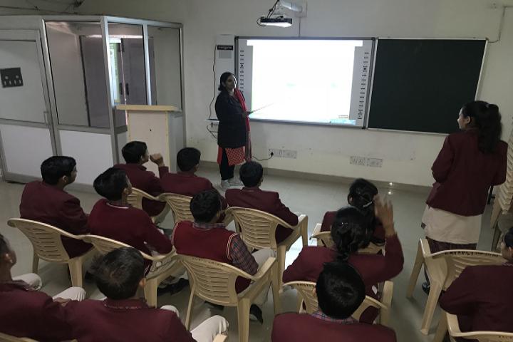 Dav Police Public School-Smart classrooms