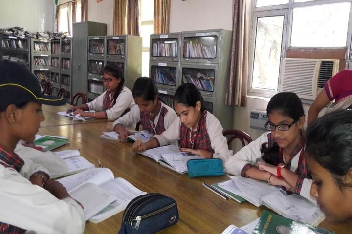 Dav Public School-Reading Room