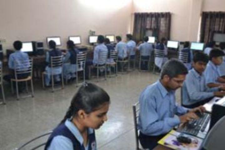 Dayal Singh Public School-IT Lab
