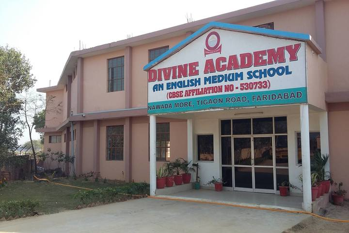 Divine Academy-Campus
