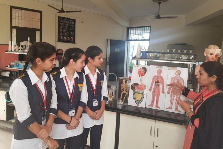 Doon International School-Biology Lab