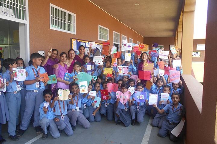 DSM Public School-Art and Crafts