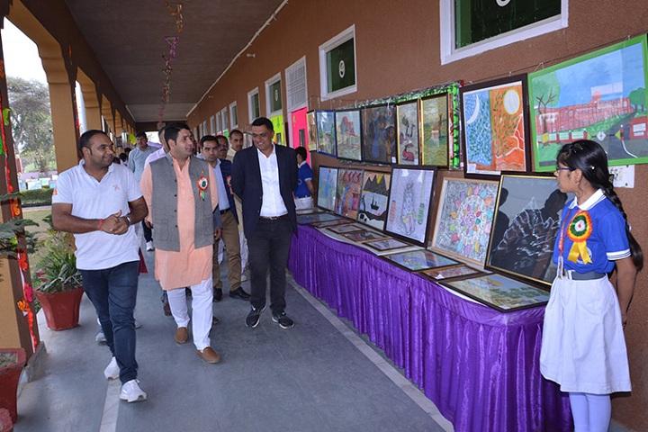 DSM Public School-Art gallery
