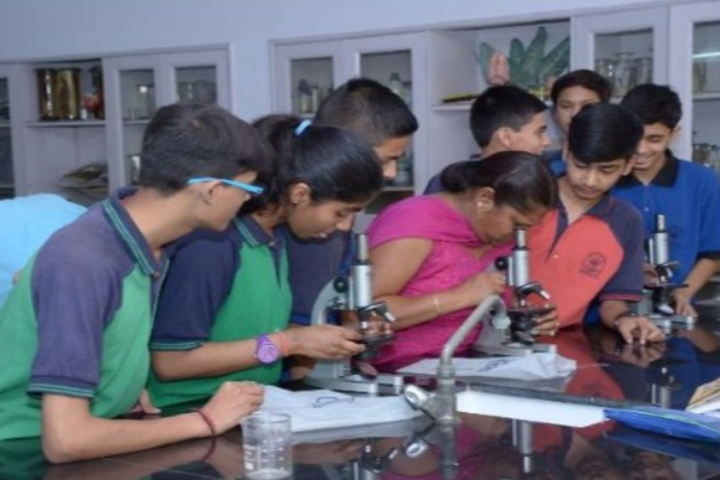 Eicher School-Biology Lab