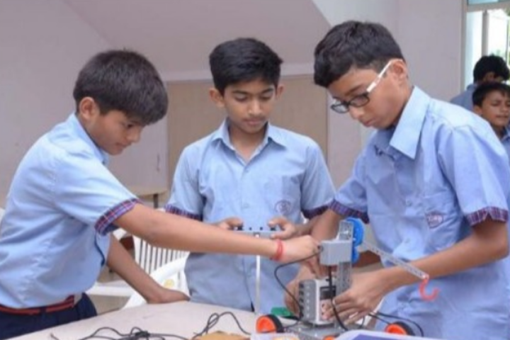 Eicher School-Physics Lab