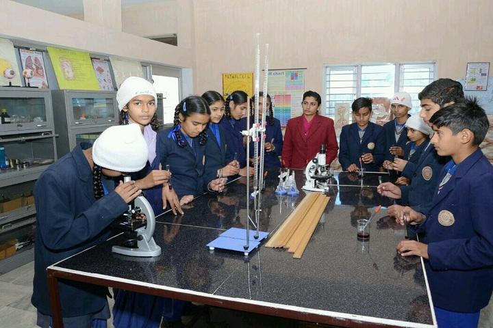 Future Diamonds Public School-Chemistry Lab