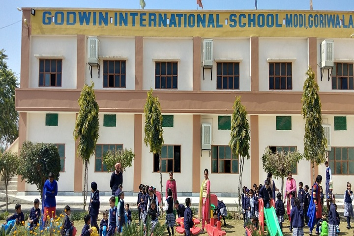 Godwin International School-Campus-View front with students