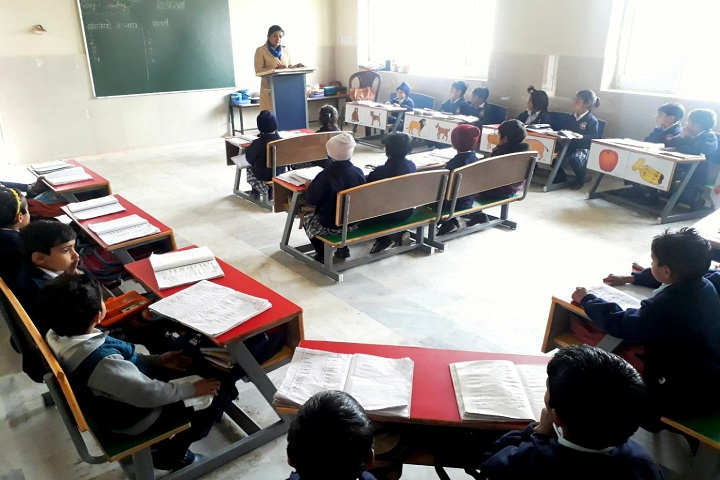 Godwin International School-Classroom with teacher