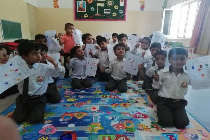 Guru Dronacharya Internal School-Art room