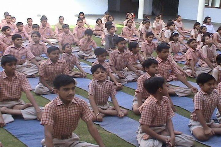 Guru Dronacharya Public School-Yoga