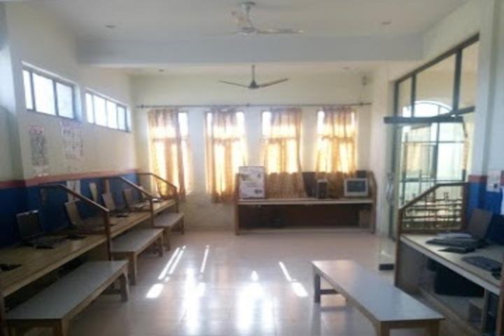 Guru Gobind Singh Public School-Computer Lab