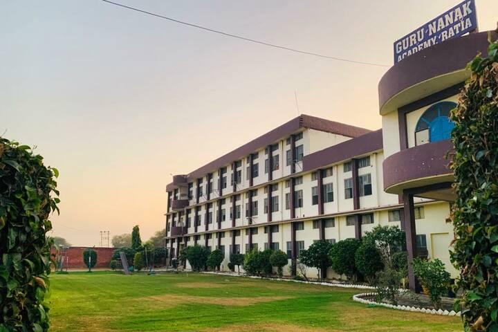 Guru Nanak Academy-Campus
