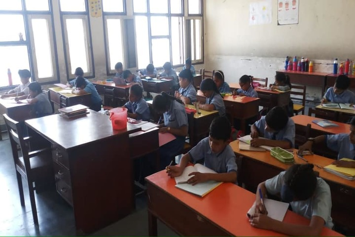 Guru Teg Bahadur Khalsa Public School-Classroom