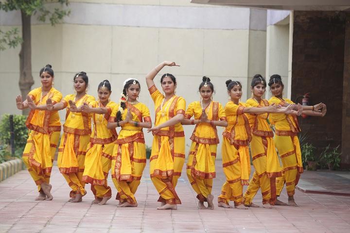 Gurukulam The School-Dance