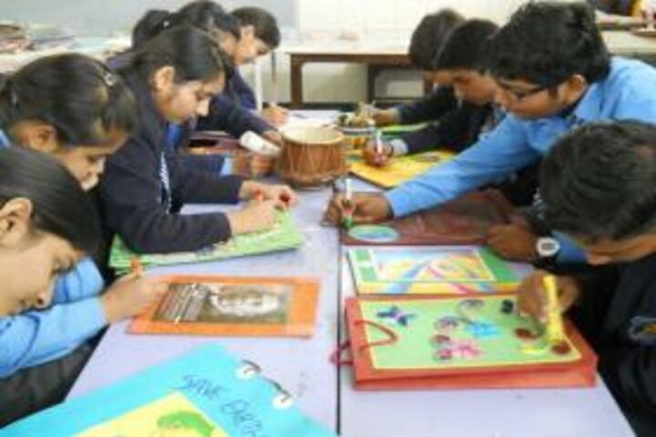 Gyan Devi Public School-Art room