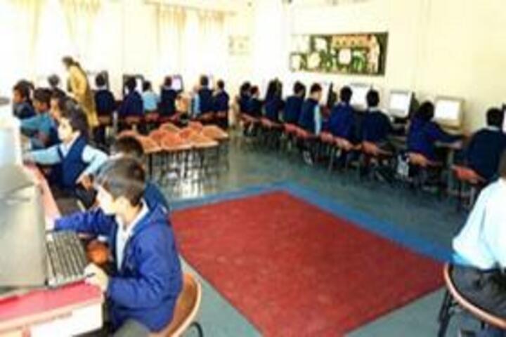 Gyan Devi Public School-Computer lab