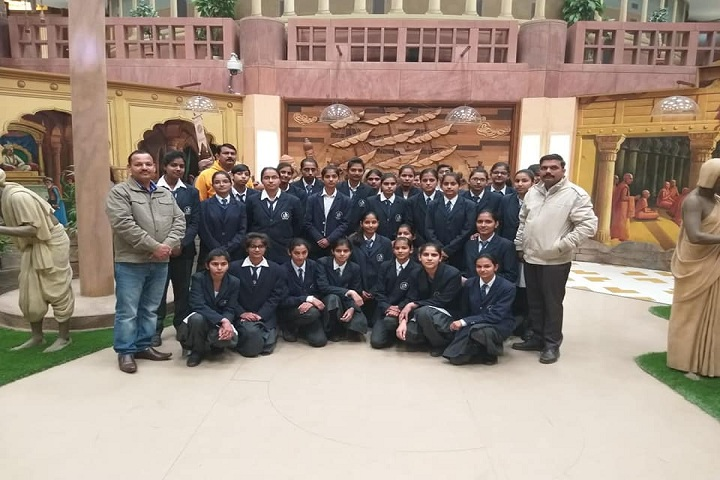 H D Senior Secondary Public School-Education Tour