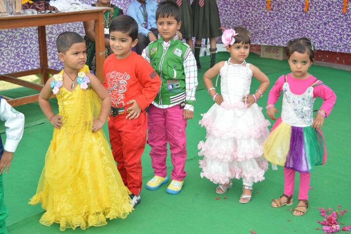 H R Green Field High School-Kids Dance
