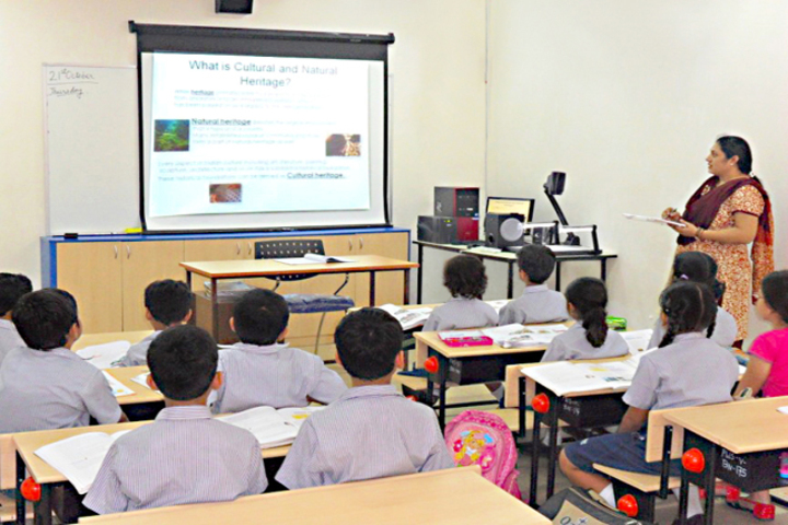 H D Public School-Digital-Classroom