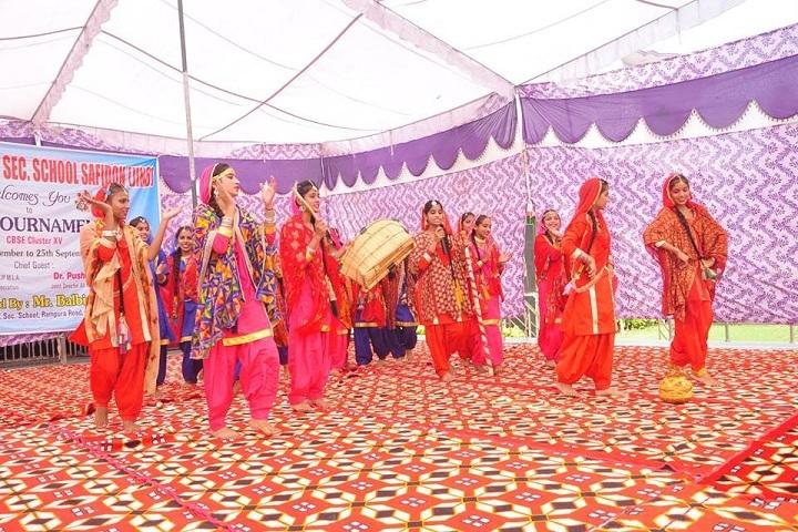 Haryana Senior Secondary School- Group Dance
